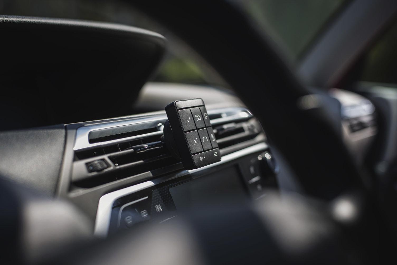 yanosik xs kokpit samochodu
